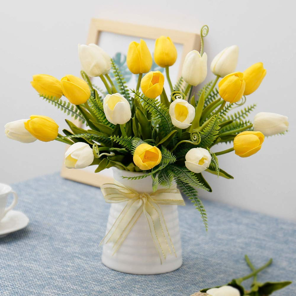 Tulips In Vase And Gl Tulip Vases